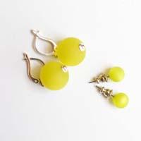 Polarisperlen Stecker Ohrring Gelbgrün
